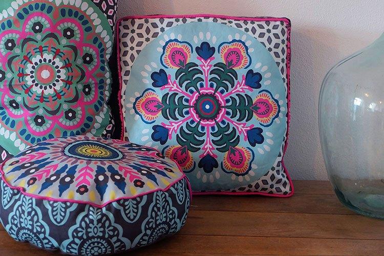 Neues Design, von tibetanischen Stoffen inspiriert! Modelle: Jolijou